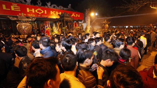 Lễ dâng hương và khai ấn đền Trần (Nam Định) năm 2017.