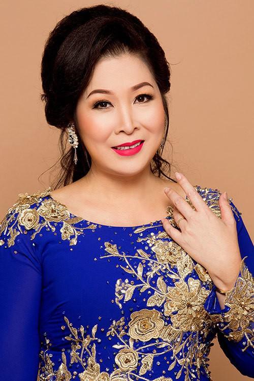 NSND Hồng Vân: 'Tôi đã lỗ hơn 2 tỷ đồng vì sân khấu kịch'