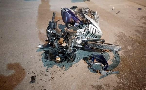 Phóng xe tốc độ cao tông ôtô, nam thanh niên thiệt mạng
