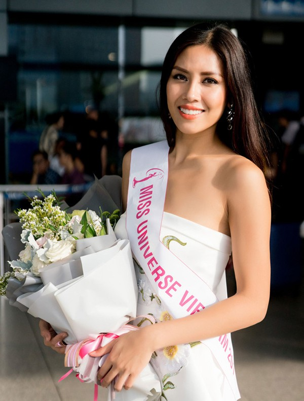 Nguyễn Thị Loan thi Miss Universe 2017.
