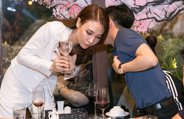 Cường Đô La và Đàm Thu Trang lại bên nhau sau trục trặc tình cảm