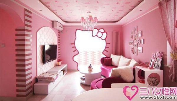 Trong lúc người chồng đi công tác xa 3 tháng, vợ anh đã cải tạo toàn bộ căn nhà của hai vợ chồng thành một thế giới hoạt hình tràn ngập màu hồng.