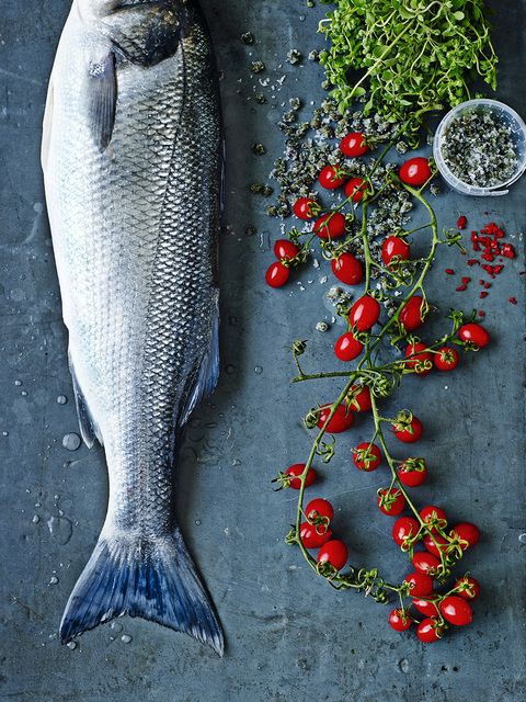 Bổ sung thêm cá vào bữa ăn, hạn chế thịt là cách giúp cơ thể bạn khỏe mạnh.