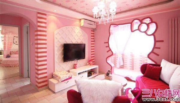 Không gian phòng khách không quá rộng nhưng vô cùng sinh động với nhiều gam màu hồng từ nhạt đến đậm.
