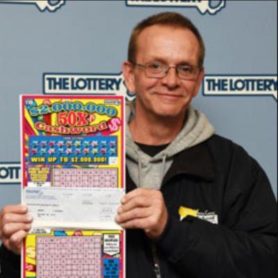 Edward nhận giải thưởng 1 triệu USD.
