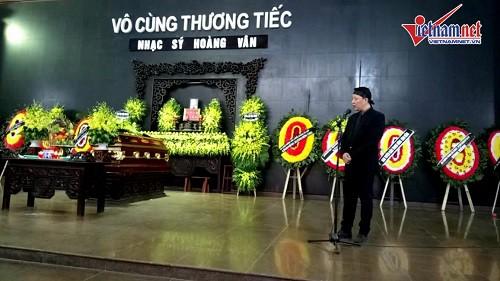 Nhạc trưởng Lê Phi Phi bật khóc khi gửi lời từ biệt bố