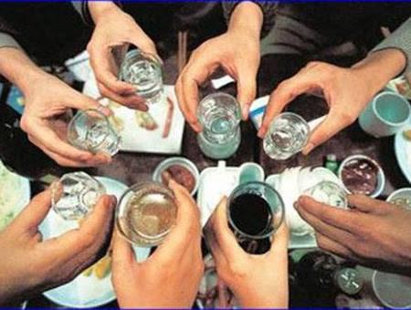 Đã rượu bia thì không nên lái xe. Ảnh minh họa: T.G