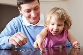 Đứa trẻ là tấm gương phản chiếu nhân cách và nền tàng văn hóa của bố mẹ. Ảnh minh họa