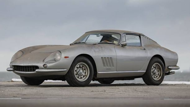 Chiếc Ferrari 275 GTB/2 Alloy Longnose 1966 được làm bằng hợp kim nhẹ. Ảnh: Foxnews