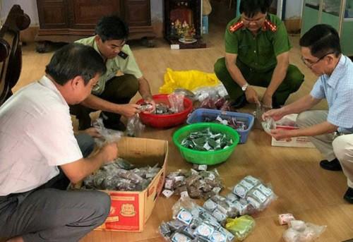 Cơ sở bán thuốc đông dược không rõ nguồn gốc bị ngành chức năng quận Ô Môn, TP Cần Thơ kiểm tra và thu giữ. Ảnh: Y.T