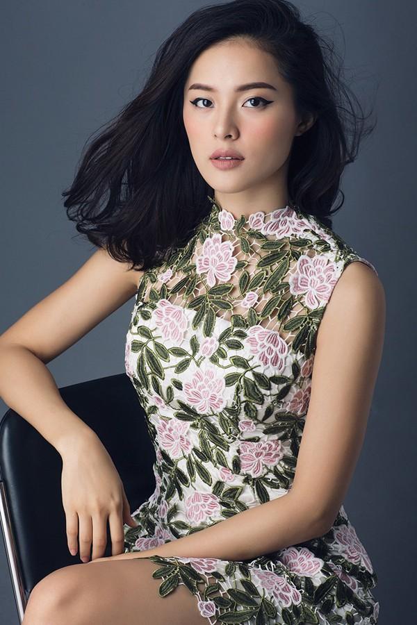 Làm bạn gái Cường Đô la, Đàm Thu Trang và Hạ Vi bất ngờ nổi tiếng