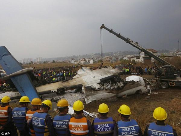 Nổ máy bay khiến ít nhất 49 người chết và sự đổ lỗi của cơ quan chức năng