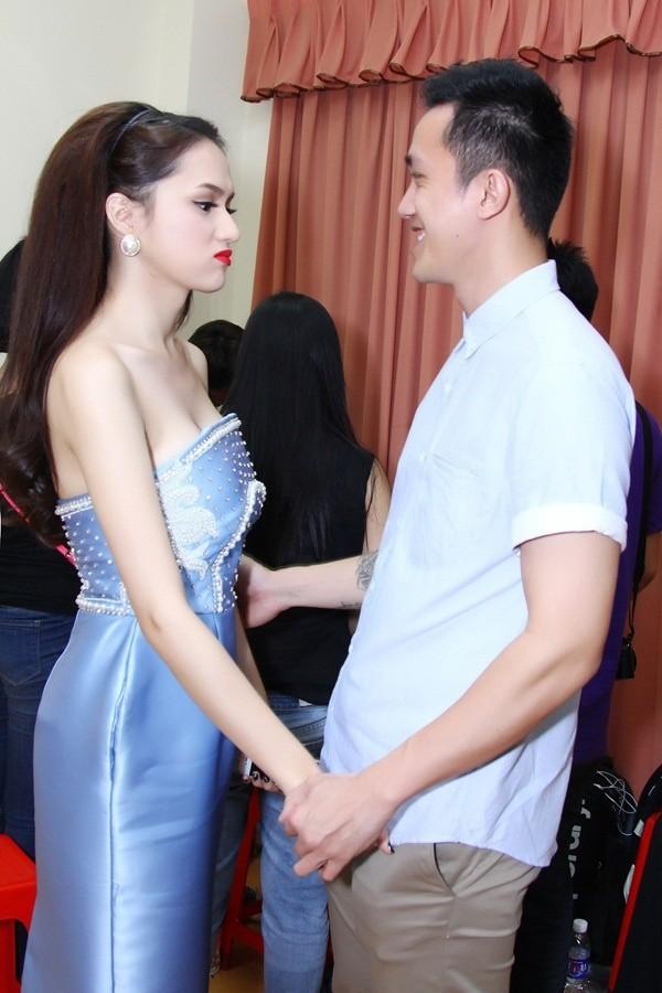 Chính sự ăn ý và ngọt ngào đó đã giúp cho Hương Giang idol và Criss Lai trở thành Quán quân của chương trình năm ấy.