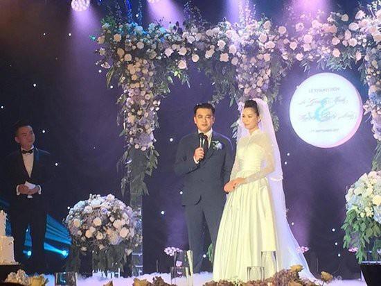 BTV Quang Vinh và nhà văn Linh Lê trong đám cưới.