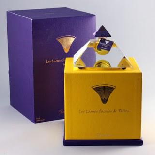 Lọ nước hoa Baccarat Les Larmes Sacrees de Thebes trị giá 6.800 USD
