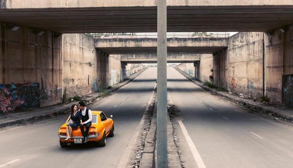 Thông qua bộ ảnh cưới, MC Đức Bảo và BTV Thảo Bùi đã kể lại câu chuyện tình yêu của họ.