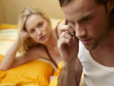 Khiêu khích mãi chồng không ghen hóa ra vì câu nói này
