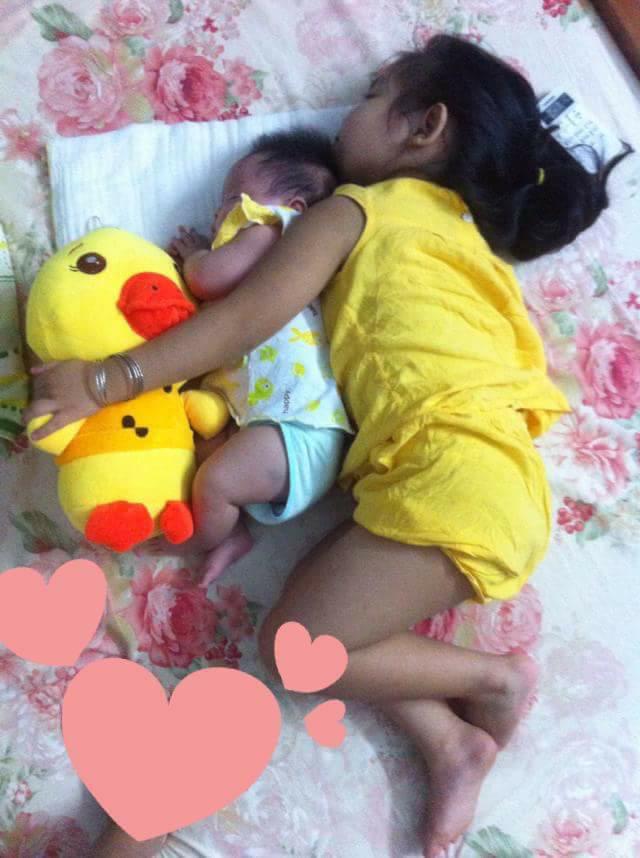 Hình ảnh khi em thứ hai nhà mẹ Trang khi mới sinh.