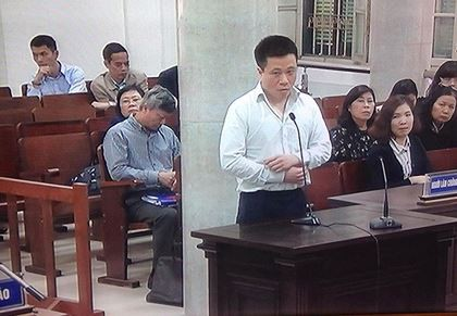Hà Văn Thắm trong vụ án 800 tỉ PVN mua cổ phần Oceanbank. Ảnh: HC