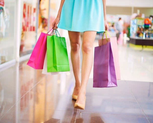Choáng váng vì vợ lương 6 triệu/tháng, 1 lần mua quần áo hết 18 triệu