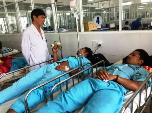 4 người tử vong nghi do ngộ độc rượu ở Quảng Nam: Chuyên gia nói gì về rượu gạo nấu lò?
