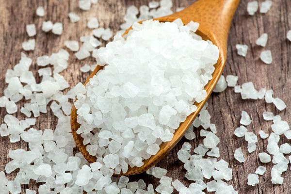 Muối Epsom là một loại khoáng chất tự nhiên có chứa lượng magie và lưu huỳnh cần thiết cho cây phát triển, vì thế thường được sử dụng trong nông nghiệp.