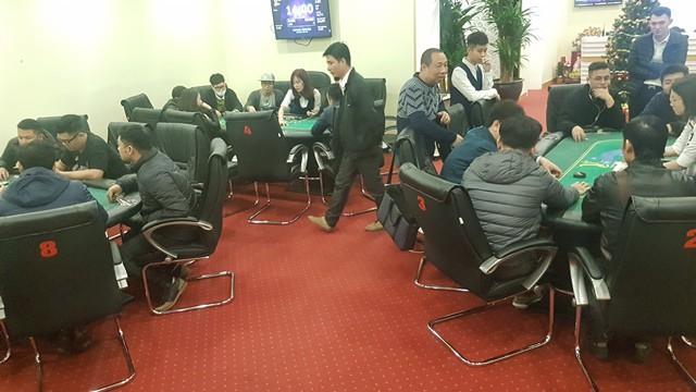 Một giải đấu theo hình thức đóng phí - lĩnh thưởng được tổ chức tại CLB Bridge & Poker Vstar.