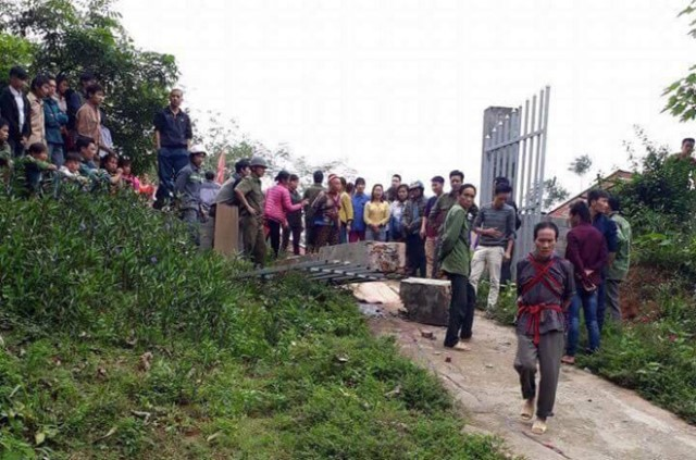 Vụ sập cổng trường khiến 1 học sinh tử vong: Trụ cột bê tông không có lõi thép