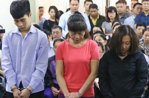 Quán karaoke bị cháy khiến 13 người chết, bà chủ nhận 9 năm tù