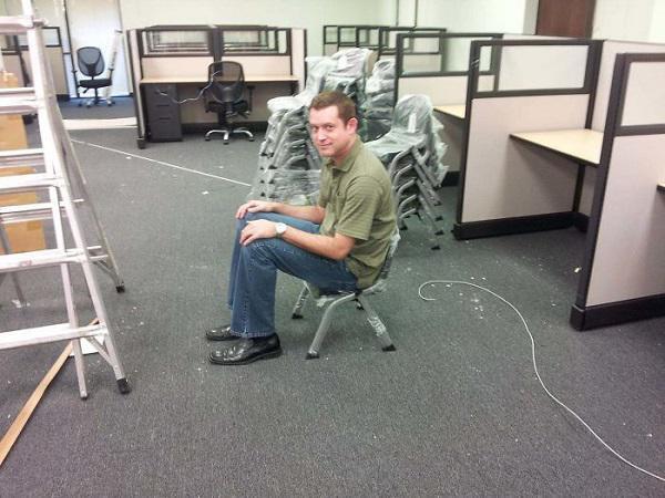 Tôi đặt ghế văn phòng, chứ đâu có đặt ghế mẫu giáo