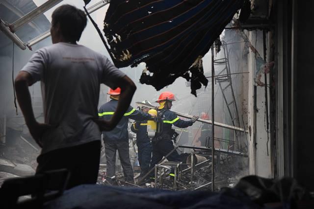 Nhận được tin báo, Phòng Cảnh sát PCCC huyện Thanh Trì đã huy động toàn bộ lực lượng tham gia chữa cháy.