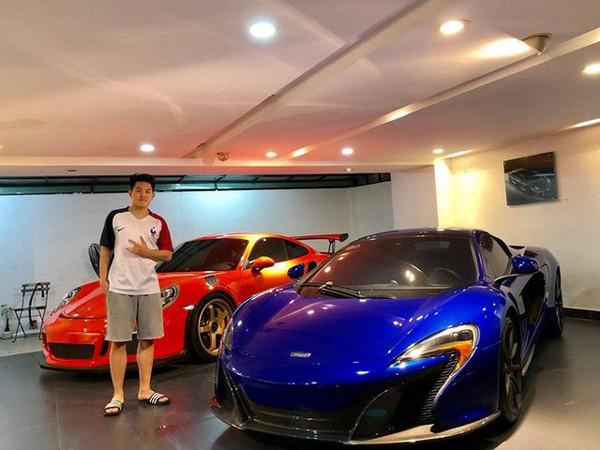 Em trai Đàm Thu Trang cũng đến nhà Cường Đô la. Điều đó thể hiện mối quan hệ thân thiết của đại gia phố núi với đằng nhà bạn gái.