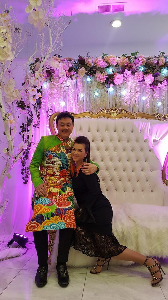 Là người hay ghen nhưng vì công việc của chồng, chị sẵn sàng để anh về Việt Nam hoạt động nghệ thuật.