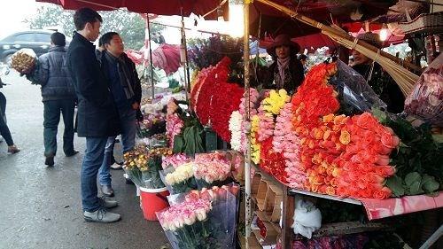 Giá hoa tươi thường tăng gấp đôi, gấp ba lần vào ngày 8/3 hàng năm. Ảnh internet