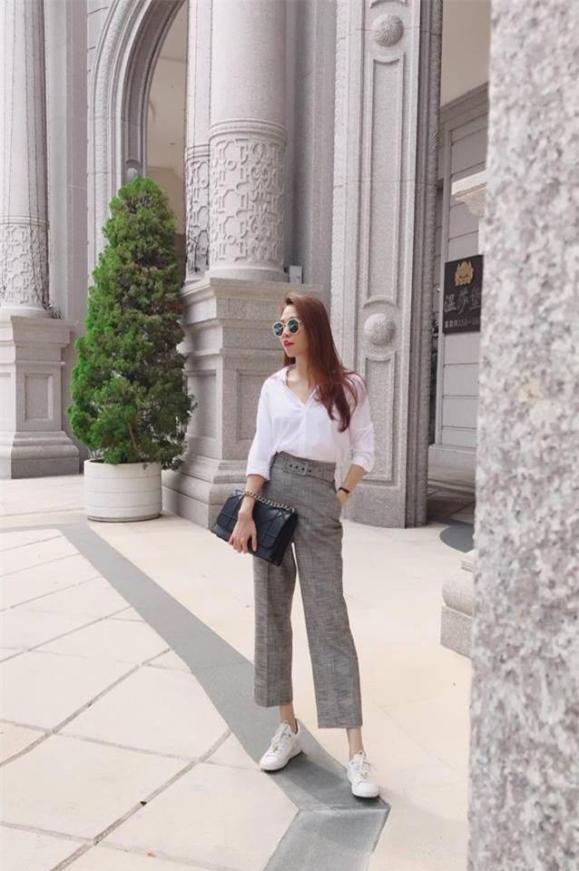 Tìm kiếm gợi ý diện đồ công sở từ chính phong cách của các người đẹp Việt - Ảnh 7.