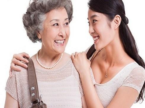 Bức xúc vì mẹ chồng chỉ nhăm nhe tài sản của mẹ đẻ