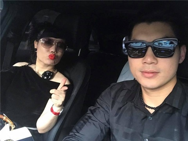 Dù chưa một lần xác nhận chuyện tình cảm nhưng Trương Nam Thành và bạn gái liên tục sánh đôi bên nhau.