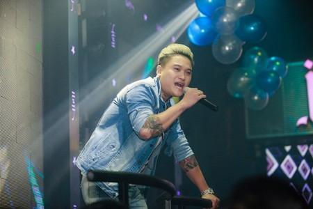 Vũ Duy Khánh tiết lộ, ngoài ca sĩ không ít diễn viên, người mẫu... trong làng giải trí cũng sử dụng chất kích thích.