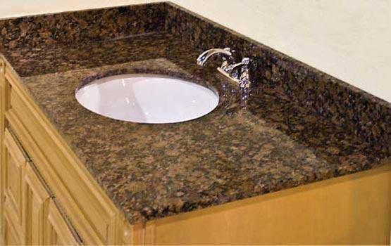 Bề mặt bàn bếp, bồn rửa,...bằng đá hoa cương, đá cẩm thạch,...sẽ nhanh bị hỏng nếu lau rửa bằng baking soda.