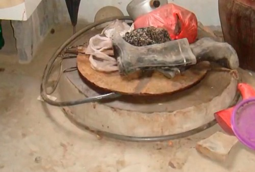 Bị lộ tẩy, tên trộm nhí tại Trung Quốc thả xác gia chủ xuống giếng