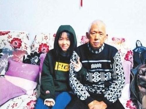 Cô bé 14 tuổi ngày nào cũng cố ăn thịt mỡ để cứu cha