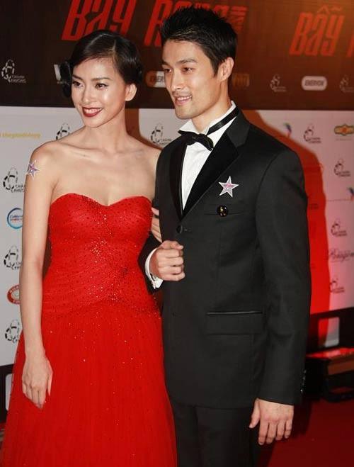 Không chỉ liên tục vào vai người tình trên màn ảnh, Ngô Thanh Vân và Johnny Trí Nguyễn cũng vướng phải một số tin đồn về chuyện phim giả tình thật.