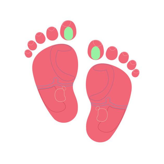 Những người bấm huyệt chân tin rằng điểm này (màu xanh trên hình) giúp tuyến yên (tuyến tạo ra hoóc môn quan trọng giúp cân bằng tâm trạng và kiểm soát sự phát triển) dễ chịu hơn. Nhẹ nhàng vuốt ngón tay cái của bạn qua chỗ đó và xem liệu nó có giúp cho bé dịu đi cơn khó chịu hay không.