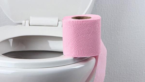 Hãy coi chừng những loại giấy vệ sinh được nhuộm nhiều màu như thế này.