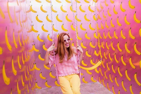 Căn phòng chuối ngập mùi chuối chín với giấy dán tường Scratch n Sniff Wallpaper tại Bảo tàng kem nổi tiếng của Mỹ.