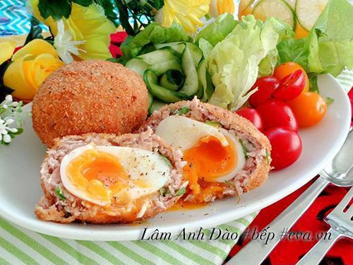 Chúc các bạn thành công và ngon miệng với cách làm thịt bọc trứng chiên lòng đào lạ miệng!