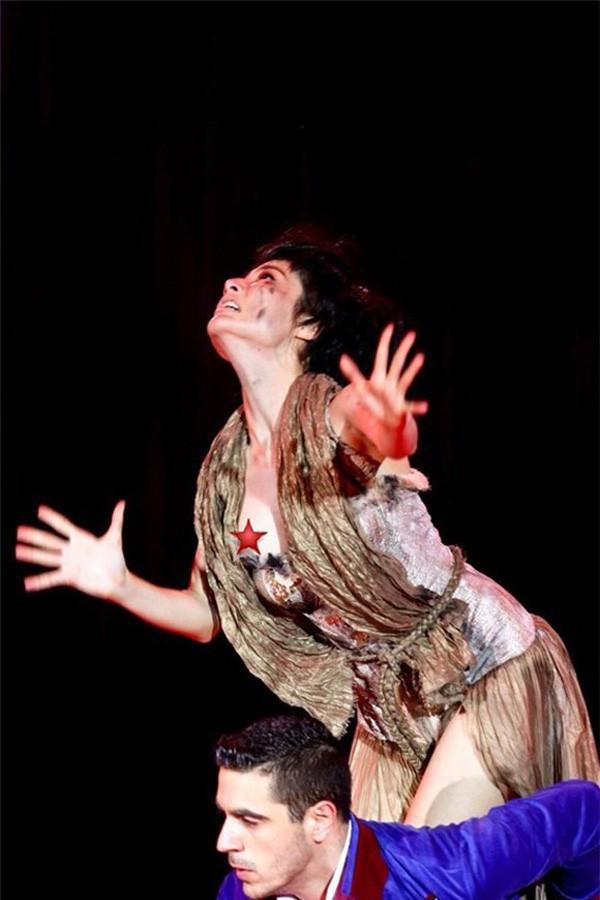 Diễm My 9x cũng rơi vào trường hợp tương tự khi tham gia cuộc thi Bước nhảy hoàn vũ.