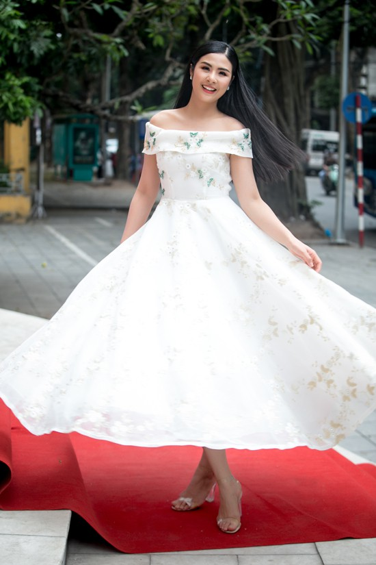 Ngọc Hân rạng rỡ tại buổi casting model nhí chiều 14/4 tại Hà Nội.