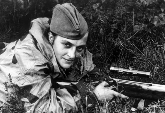 Nữ xạ thủ Liên Xô Lyudmila Pavlichenko