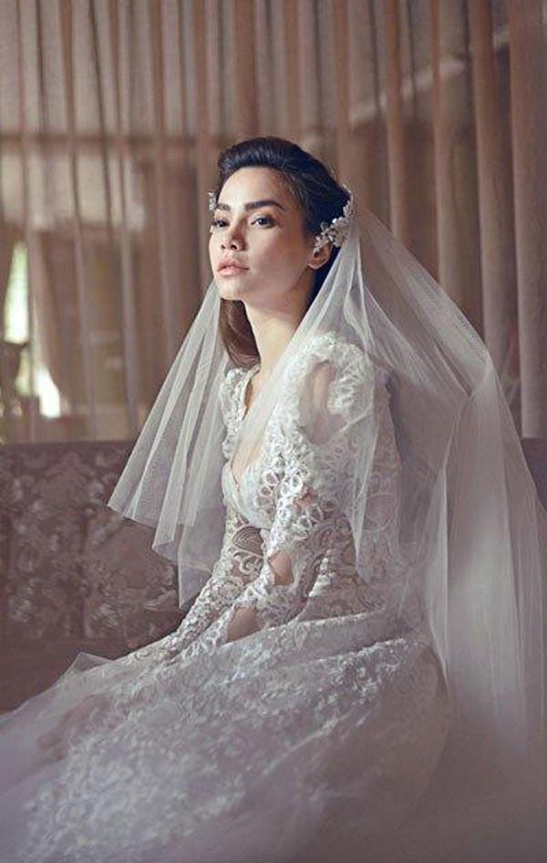 Trải qua nhiều cuộc tình, người ta vẫn chưa nhìn thấy Hà Hồ diện áo cô dâu trong đám cưới.